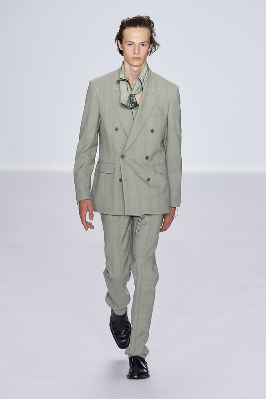 Spring Summer 20 Menswear, Paul Smith, Tailored Double Breasted Suit in Ash Grey Color