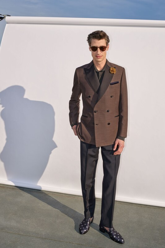 Spring Summer 20 Menswear, Brioni, Tailored Double Breasted Suit in Browns