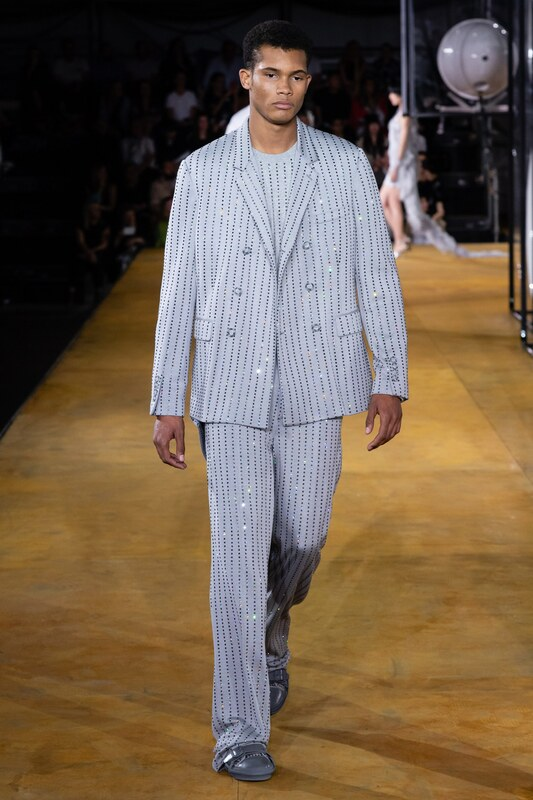 Spring Summer 20 Menswear, Burberry, Double Breasted Suit in Bold Stripes